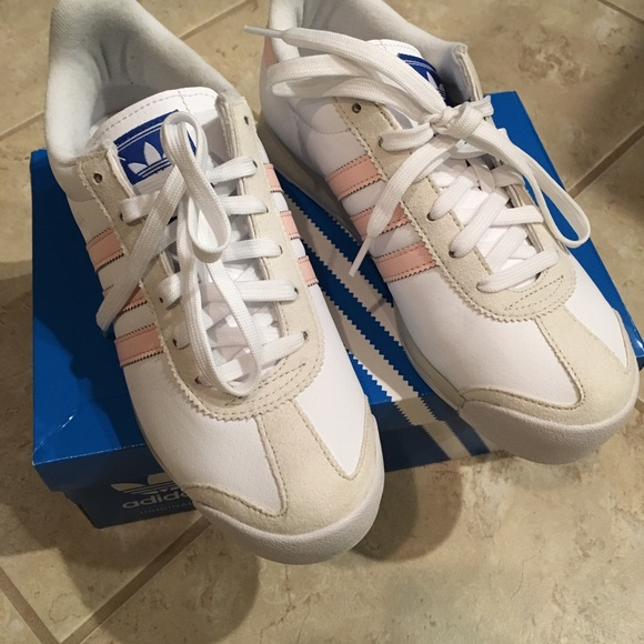 28a12ff19b96ee Women s Adidas Originals Samoa Sneakers Sz 6.5